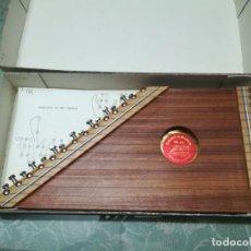 Instrumentos musicales: CITARA 15 CUERDAS.MARCA CANTARINA M.R.. Lote 135613610
