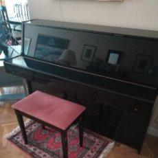 Instrumentos musicales - Piano Royale excelente estado. Ideal para estudiantes de música, academias - 138003494