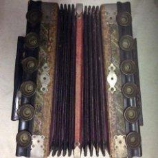 Instrumentos musicales: ACORDEON DIATONICO ANTIGUO ,IDEAL COLECIONISTA. Lote 138300274