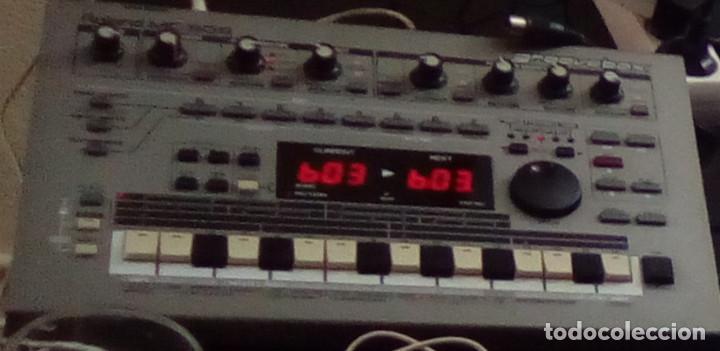 CAJA DE RITMOS ROLAND MC303 GROOVEBOX CON MANUAL (Música - Instrumentos Musicales - Percusión)