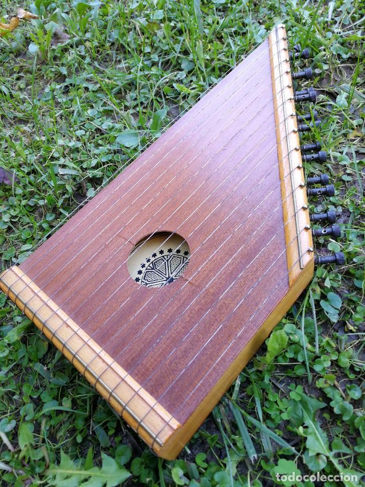 CÍTARA O SIMARRA INSTRUMENTO MUSICAL DE CUERDA, MIDE 38X19CM. AÑOS 70'S. (Música - Instrumentos Musicales - Cuerda Antiguos)