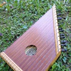 Instrumentos musicales: CÍTARA O SIMARRA INSTRUMENTO MUSICAL DE CUERDA, MIDE 38X19CM. AÑOS 70'S.. Lote 139326058