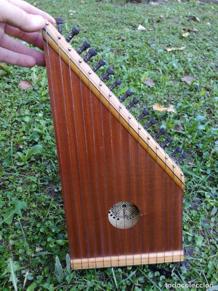 Instrumentos musicales: CÍTARA O SIMARRA INSTRUMENTO MUSICAL DE CUERDA, MIDE 38X19CM. AÑOS 70s. - Foto 2 - 139326058