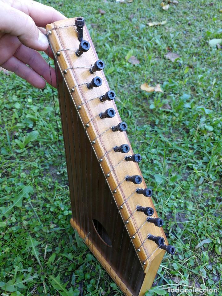 Instrumentos musicales: CÍTARA O SIMARRA INSTRUMENTO MUSICAL DE CUERDA, MIDE 38X19CM. AÑOS 70s. - Foto 4 - 139326058