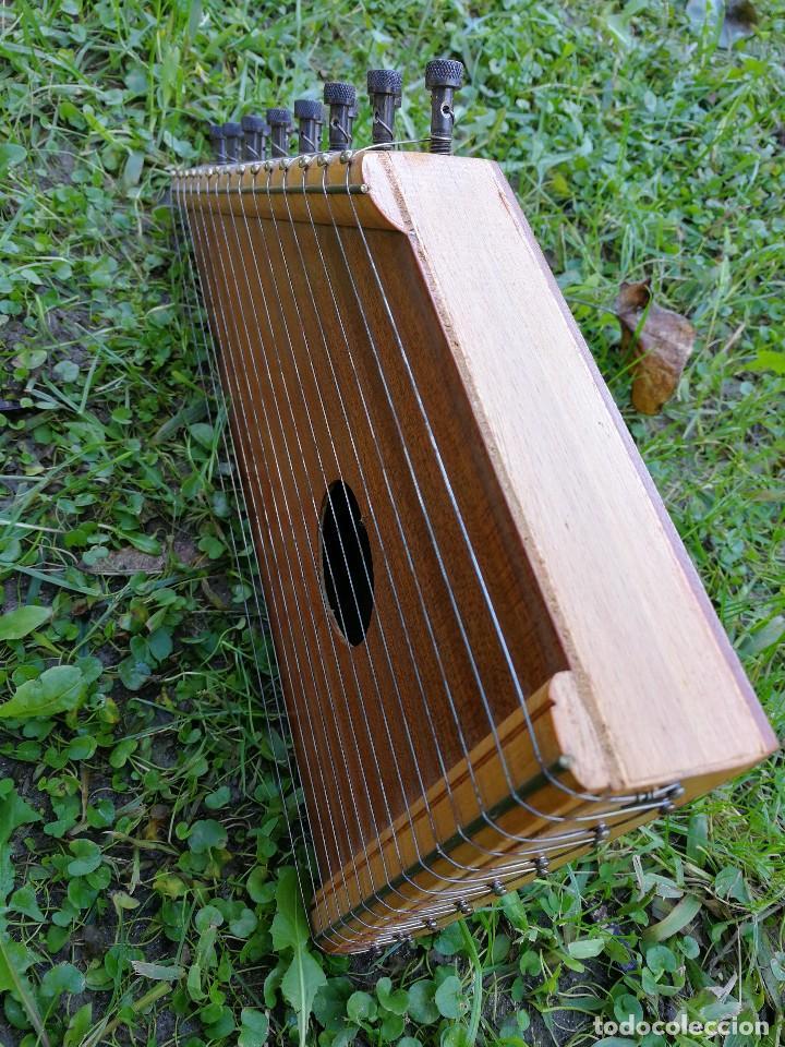 Instrumentos musicales: CÍTARA O SIMARRA INSTRUMENTO MUSICAL DE CUERDA, MIDE 38X19CM. AÑOS 70s. - Foto 8 - 139326058