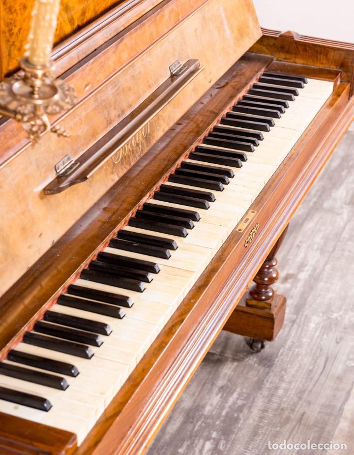 Instrumentos musicales: Piano Antiguo Alemán Bieger - Foto 3 - 139813746