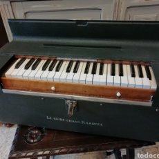 Instrumentos musicales: ARMÓNIO ANTIGÜO, LE GUIDE CHANT KASRIEL, 1930-40. Lote 140151374