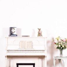 Instrumentos musicales: PIANO ANTIGUO RESTAURADO BLANC. Lote 140371314