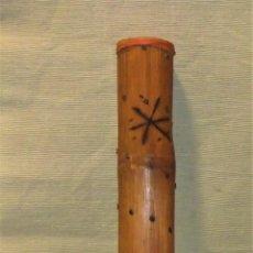 Instrumentos musicales: ANTIGUO PALO DE LLUVIA DE BAMBÚ DE 50 CM. Lote 140465502