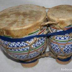 Instrumentos musicales: TIMBALES ARABES DE CERAMICA Y PIEL. Lote 141816390