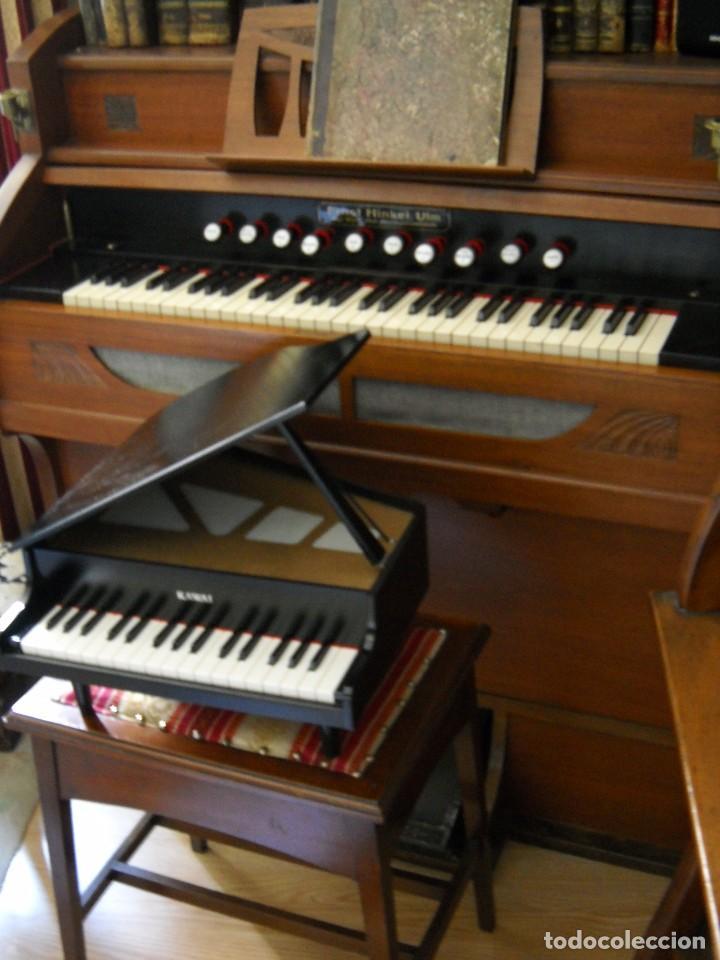 Instrumentos musicales: Piano de cola miniatura Kawai 32 teclas en madera - Foto 7 - 142439562