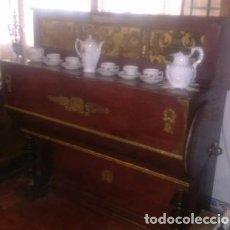 Instrumentos musicales: GRAN ORGANILLO ANTIGUO,FABRICADO EN ESPAÑA POR LA FÁBRICA DE LUIS CASALI POMBIA Y CÍA. Lote 142988018