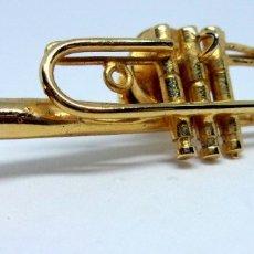 Instrumentos musicales: TROMPETA MINIATURA PIN. Lote 34713099