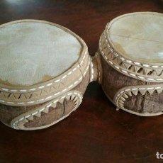 Instrumentos musicales: TIMBALES O BONGOS HECHOS CON DOS COCOS Y CUERO REPUJADO. Lote 144473926
