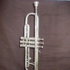Instrumentos musicales: ANTIGUA TROMPETA CON BOQUILLA DE LA FIRMA VICENT BACH CORP.. Lote 145151786