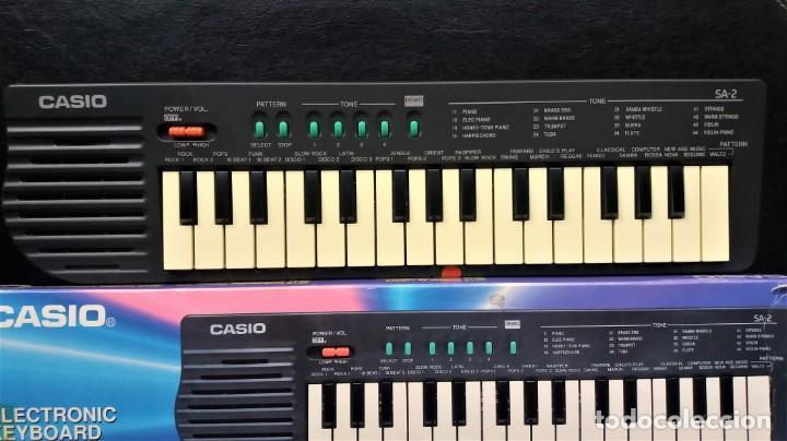 Instrumentos musicales: ANTIGUO TECLADO PIANO - CASIO SA-2 ELECTRONIC - Foto 2 - 145784546