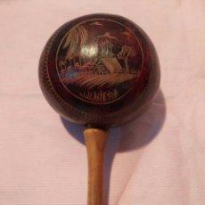 Instrumentos musicales: AUTÉNTICA MARACA CUBANA, HECHA CON COCO, VER. Lote 147106196