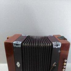 Instrumentos musicales: ACORDEON EL CID, MADERA. Lote 147375714