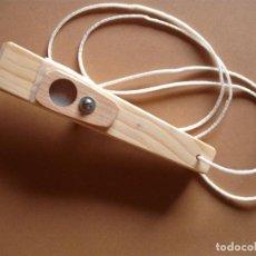 Instrumentos musicales: PITO DE CARNAVAL- MADERA,(HCHO A MANO). Lote 147459834