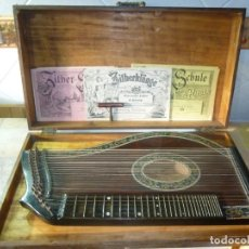 Instrumentos musicales: ANTIGUA CÍTARA CON MALETA. Lote 147483854