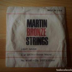 Instrumentos musicales: CUERDA DE GUITARRA ANTIGUA MARTIN BRONCE STRINGS Nº M-146 MADE IN USA. Lote 149517250