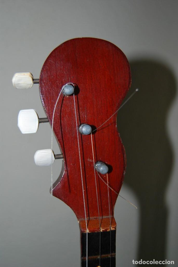 Instrumentos musicales: MANDOLINA DE TRES CUERDAS - PINTADA A MANO - ESCENA HIPPIE - AÑOS 60 - Foto 12 - 150838506