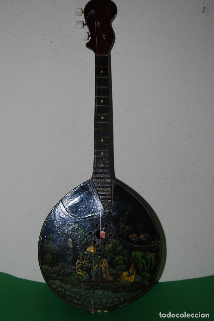 Instrumentos musicales: MANDOLINA DE TRES CUERDAS - PINTADA A MANO - ESCENA HIPPIE - AÑOS 60 - Foto 18 - 150838506