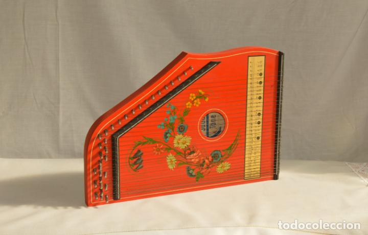 CÍTARA ORIGINAL DE ALEMANIA DEL ESTE MARCA JUBEL DE 35 CM DE LARGO POR 21 CM DE ANCHO Y 4 DE GROSOR (Música - Instrumentos Musicales - Cuerda Antiguos)