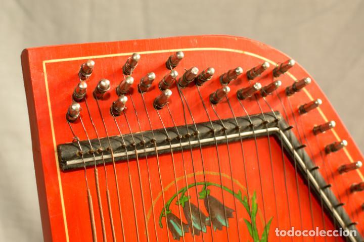 Instrumentos musicales: CÍTARA ORIGINAL DE ALEMANIA DEL ESTE MARCA JUBEL DE 35 CM DE LARGO POR 21 CM DE ANCHO Y 4 DE GROSOR - Foto 7 - 150948234