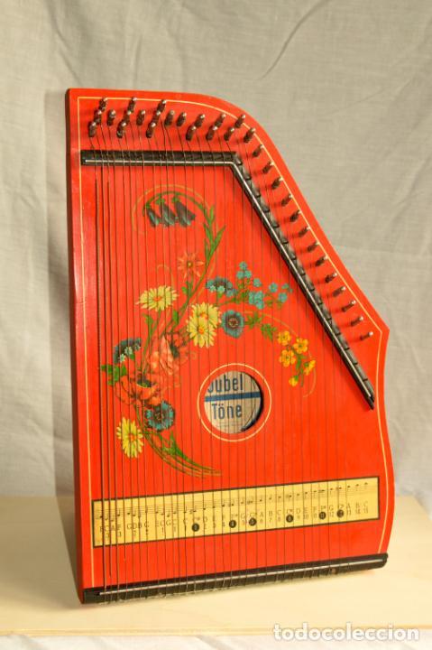 Instrumentos musicales: CÍTARA ORIGINAL DE ALEMANIA DEL ESTE MARCA JUBEL DE 35 CM DE LARGO POR 21 CM DE ANCHO Y 4 DE GROSOR - Foto 10 - 150948234