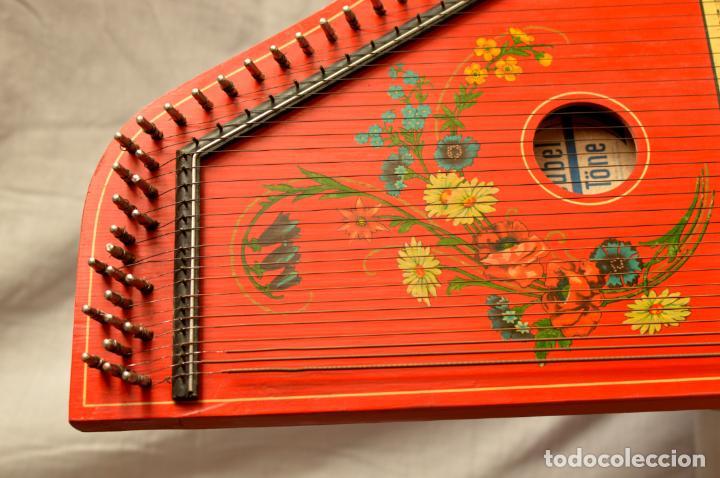 Instrumentos musicales: CÍTARA ORIGINAL DE ALEMANIA DEL ESTE MARCA JUBEL DE 35 CM DE LARGO POR 21 CM DE ANCHO Y 4 DE GROSOR - Foto 11 - 150948234