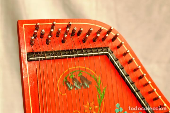 Instrumentos musicales: CÍTARA ORIGINAL DE ALEMANIA DEL ESTE MARCA JUBEL DE 35 CM DE LARGO POR 21 CM DE ANCHO Y 4 DE GROSOR - Foto 12 - 150948234