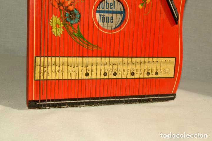Instrumentos musicales: CÍTARA ORIGINAL DE ALEMANIA DEL ESTE MARCA JUBEL DE 35 CM DE LARGO POR 21 CM DE ANCHO Y 4 DE GROSOR - Foto 13 - 150948234