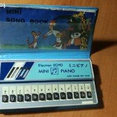Instrumentos Musicais: MINI PIANO ELECTRON ECHO AÑOS 80 (+ LIBRO + FUNDA). Lote 153276370