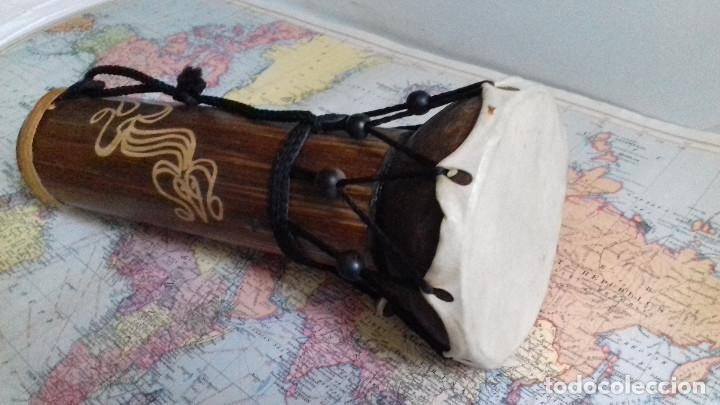 PEQUEÑO TAMBOR INDONESIO. MADERA Y CUERO NATURAL. SUENA. (Música - Instrumentos Musicales - Percusión)