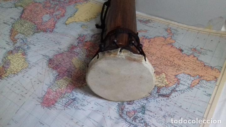 Instrumentos musicales: pequeño Tambor indonesio. madera y cuero natural. suena. - Foto 4 - 153917106