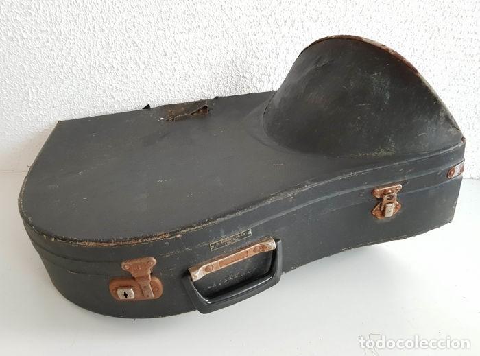 Instrumentos musicales: Trompa, Cuerno. Impresionante instrumento de viento. Años 60. Estuche original. - Foto 4 - 153992538