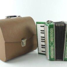 Instrumentos musicales: ANTIGUO ACORDEÓN RUSO MALIOSH TAMAÑO PEQUEÑO INFANTIL BUEN ESTADO AUTENTICO INSTRUMENTO MUSICAL. Lote 154050250