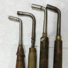 Instrumentos musicales: 4 ANTIGUAS LLAVES PARA AFINAR PIANOS, UNA CON MARCA DE LEIPZIG, ALEMANIA. Lote 154270290