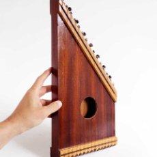 Instrumentos musicales: CÍTARA - SIMARRA INSTRUMENTO MUSICAL 42CM. AÑOS 70. Lote 155077430