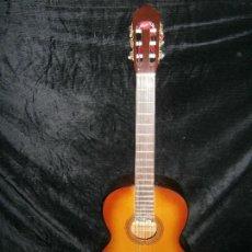 Instrumentos musicales: GUITARRA LATINA HECHA EN MEJICO COMO NUEVA CON SU FUNDA. Lote 155407442