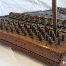 Instrumentos musicales: PRECIOSO INSTRUMENTO DE CUERDA CITARA PIESA DE MUSEO. Lote 155612906