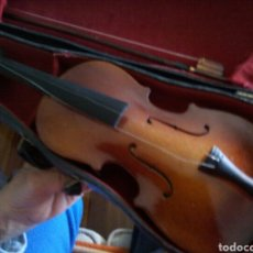 Instrumentos musicales: VIOLIN EN MINIATURA CON ARCO Y BONITO ESTUCHE RIGIDO. Lote 155946818