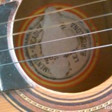 Instrumentos musicales: GUITARRA ANTIGUA BENIGNO DIAZ DIAZ O JUAN ESTRUCH? DOS ETIQUETAS SUPERPUESTAS VER FOTO. Lote 156149286
