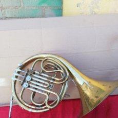 Instrumentos musicales: ANTIGUA TROMPA FRANCESA SIGLO XIX. Lote 156508324