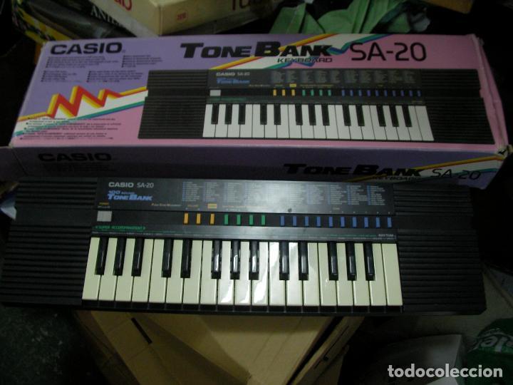 PIANO CASIO TONEBANK SA-20 EN SU CAJA (Música - Instrumentos Musicales - Teclados Eléctricos y Digitales)