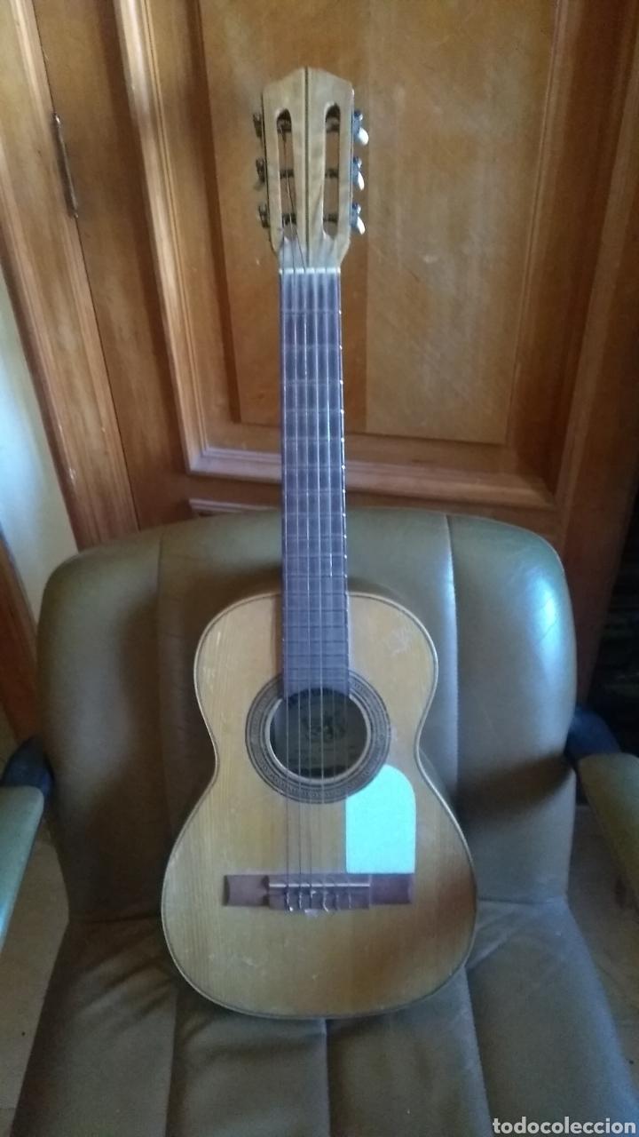 GUITARRA DE NIÑO ANTIGUA PRECIOSA PARA RESTAURAR LEER ANTES DE COMPRAR (Música - Instrumentos Musicales - Guitarras Antiguas)