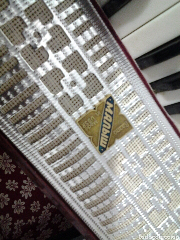 Instrumentos musicales: Acordeón antiguo marca Razno Manbiw. - Foto 5 - 159051790