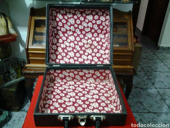 Instrumentos musicales: Acordeón antiguo marca Razno Manbiw. - Foto 10 - 159051790