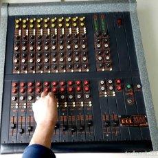 Instrumentos musicales: MESA MEZCLAS PARAMÉTRICA AUTO AMPLIFICADA 10 CANALES. 400W IMITACIÓN SOUNDCRAFT. Lote 159330294